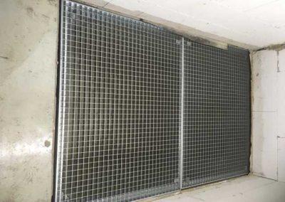 Stahlpodest-mit-Unterkonstruktion